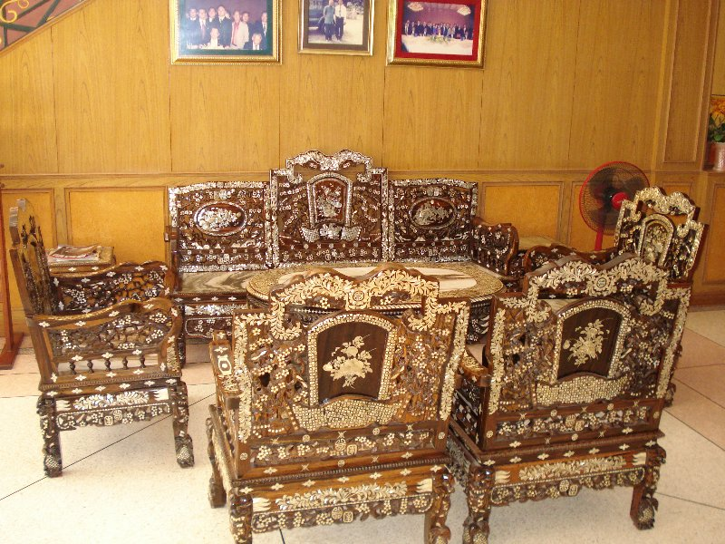 picture 216 800x600 Thai Teak Furniture Inlaid with Mother of Pearl