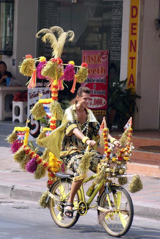 Glitterman in Pattaya